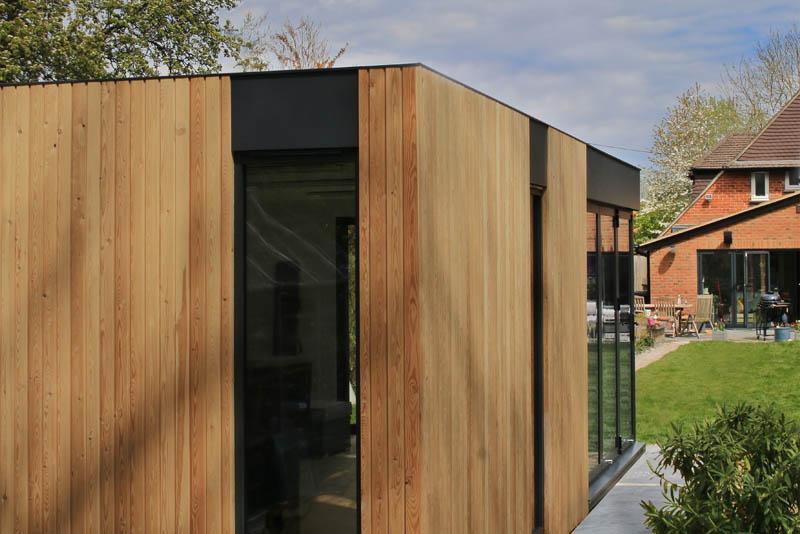 Genus luxuriously contemporary garden room