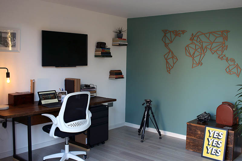 SilverLeaf Origin home office desk interior